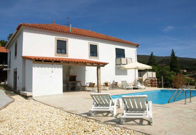 CMN19 casa V4 c/ piscina,local calmo, vista deslumbrante,até 10pax