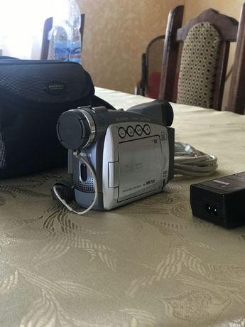 Canon MV700