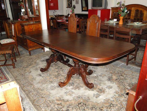 Enorme mesa de sala em madeira - Extensível