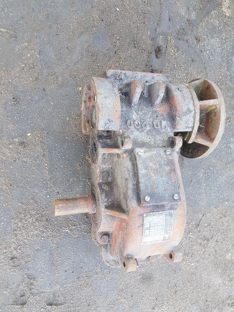 Przekładnia reduktor motoreduktory do wyciągu taśmociągu