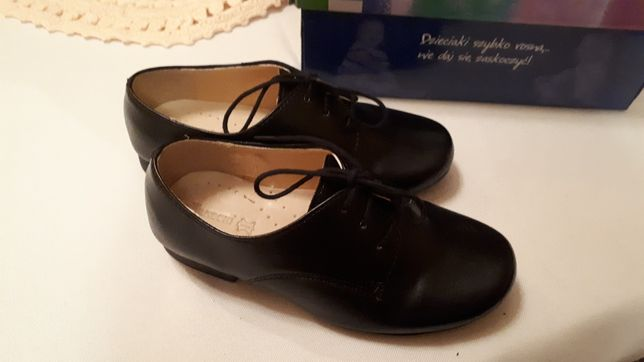 Wizytowe półbuty skóra 28 kornecki eleganckie pantofle komunia wesele