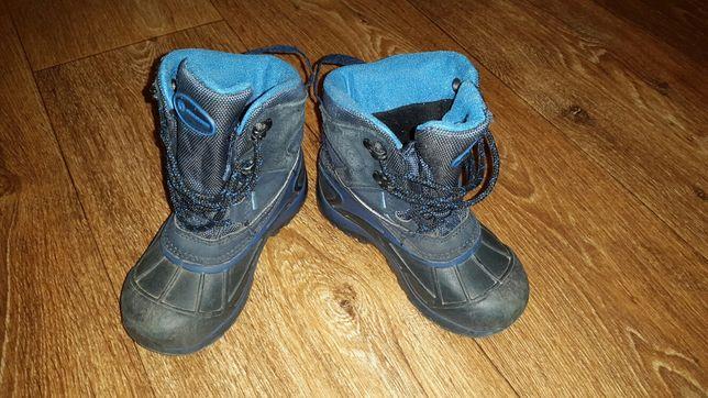 Продам детские зимние ботинки outventure