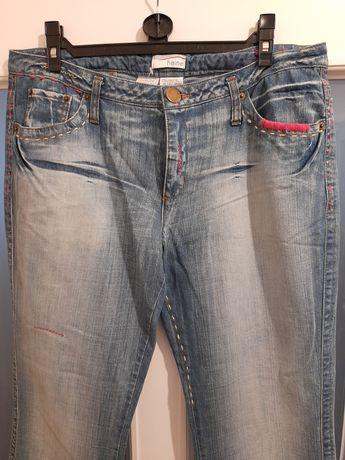 Nowe jeansy firmy heine z fantazyjnymi drobnymi aplikacjami