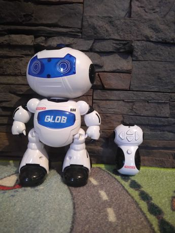 Robot com comando. Como novo