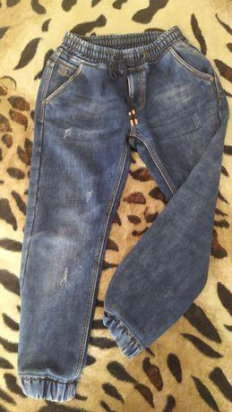 Отличные джинсы на флисе