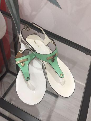 Sandałki rozmiar 36