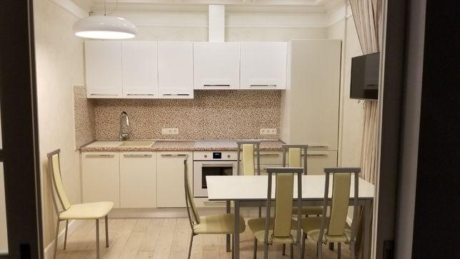 Кухня в Одессе очень не дорого. Фасады краска глянец.
