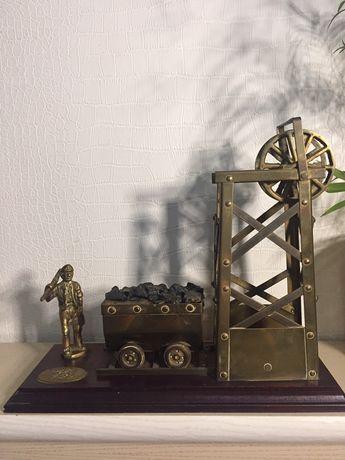 Статуетка латунь винтаж шахтёр шахта