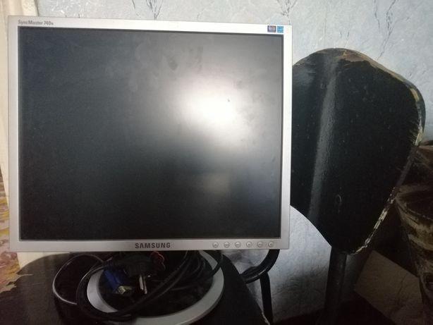Срочно продам работающий монитор!