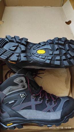 Ботинки для активного отдыха