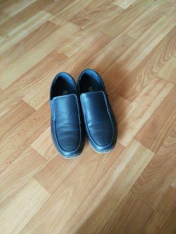 Продам туфли в школу