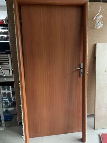 Drzwi używane