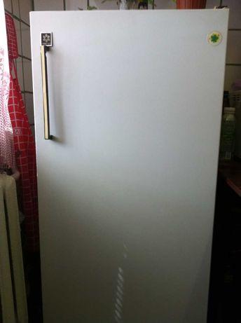 Продам холодильник Б/У Snaige 12E