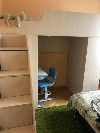 Детская кровать-чердак; учебный уголок