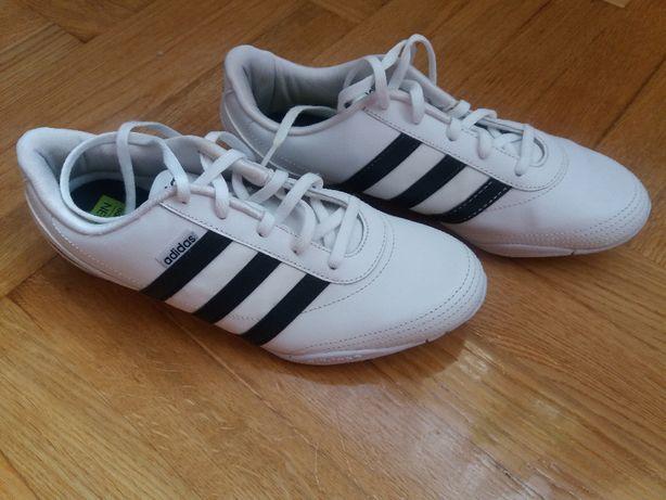 Sprzedam adidasy Adidas r. 40.5