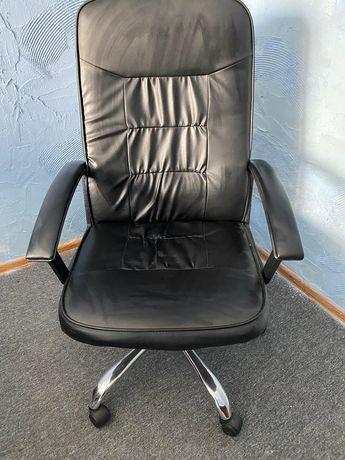 Krzesło obrotowe skórzane