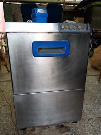 Máquina de lavar pratos, italiana marca Elframo de cesto 40