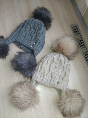 Продам зимние шапочки на девочек 8-12 лет