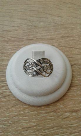 Кольцо серебро 925 проба. 17 5 размер