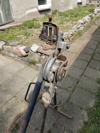 Imadło hydrauliczne z giętarka do rur