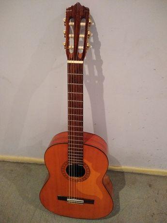 Dobra gitara klasyczna Marina Mark 11.  Megawygodna !!