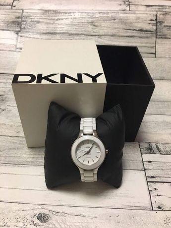 Продам часы DKNY