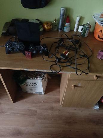 Przedam PS 2 dwa pady wszystkie kable do konsoli i Karte