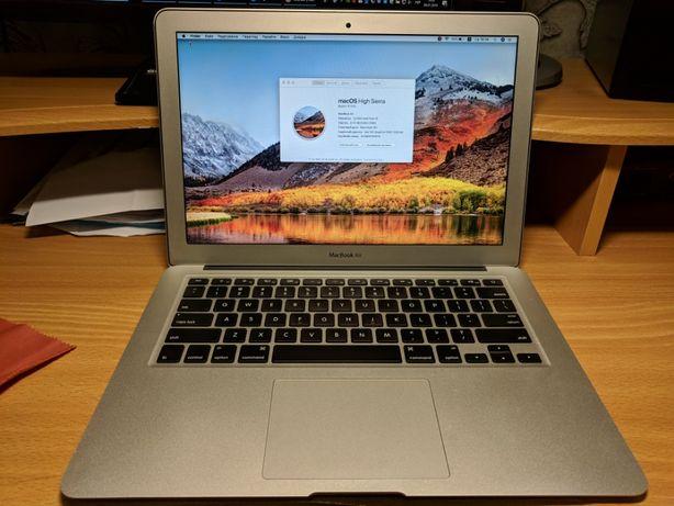 MacBook Air 13 256 SSD / 8 GB RAM (199 циклів батареї)