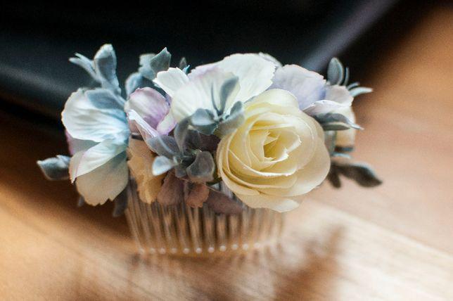 Grzebień grzebyk ozdoba do włosów kwiaty błękitny pastelowy ślub