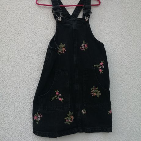 Vestido Jardineira Zara