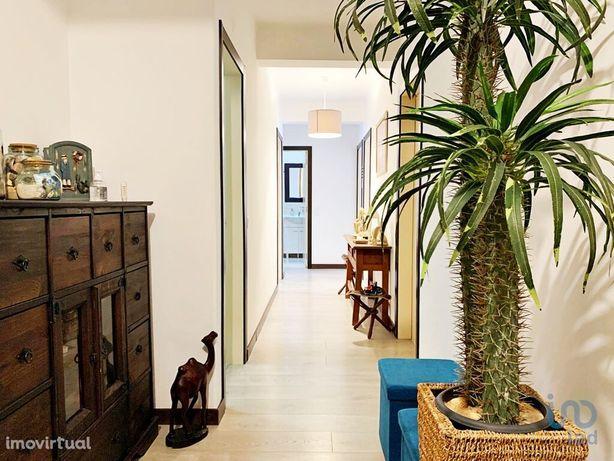 Apartamento - 101 m² - T3