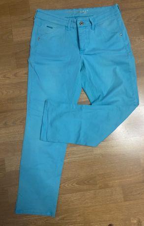 Niebieskie turkusowe spodnie MAC 40