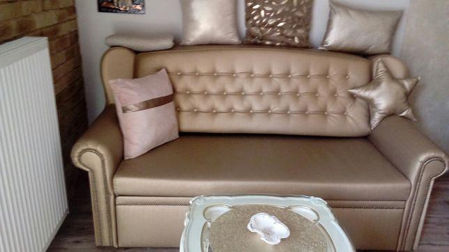 Sofa z funkcją spania i pojemnikiem na pościel