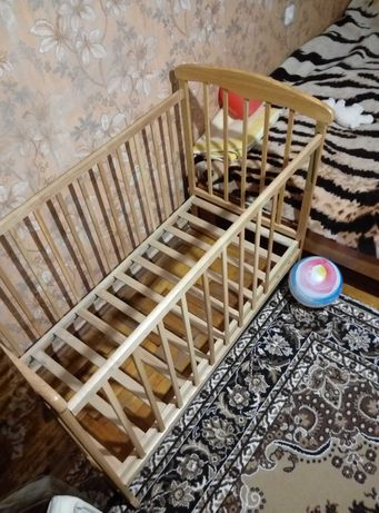 Кроватка детская,фирмы Наталка.Дерево.