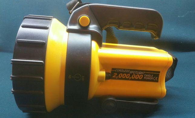 Продам поисковый фонарь прожектор для охоты, рыбалки.