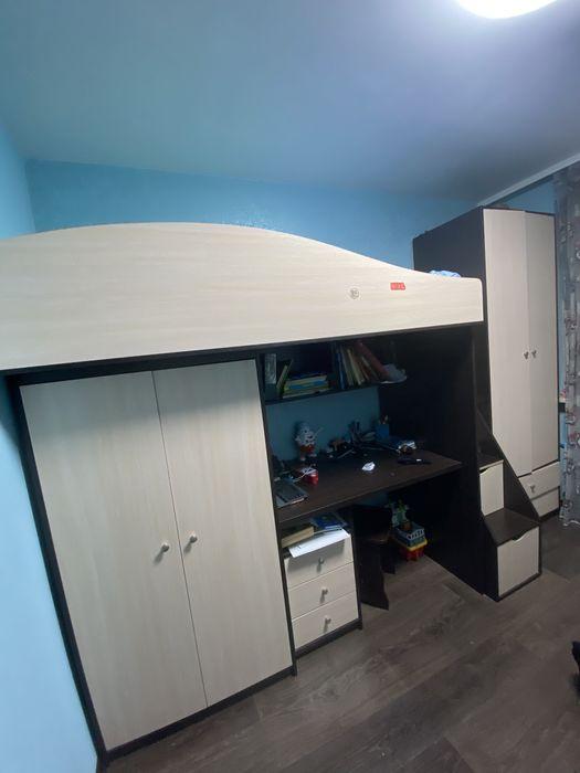 Стенка в детскую комнату (2 шкафа, стол, кровать) Кулиничи - изображение 1