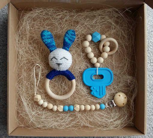 Zestaw prezent Handmade króliczek gryzak grzechotka zawieszka