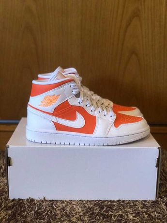 Nike Air Jordan 1 Mid SE Bright Citrus