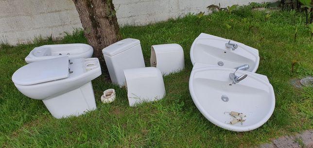 Conjunto louças quarto de banho