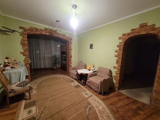 Продам 5 кімнатну квартиру для великої дружньої сім'ї. А