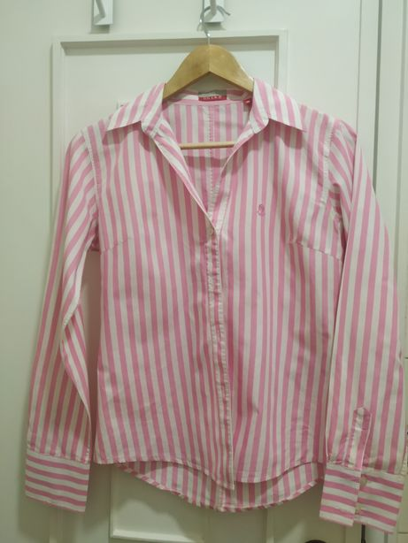 Vendo camisa riscada branca e rosa
