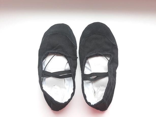 Чёрные балетки, чешки, обувь для танцев
