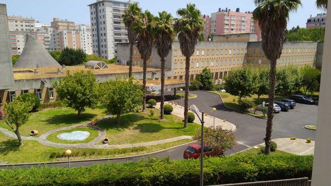 Vendo Apartamento T2 em Telheiras (Quinta dos Inglesinhos )
