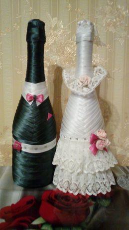 Декор бутылок с шампанским и бокалов для свадьбы
