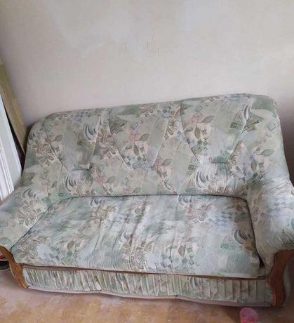 Продам диван та два крісла