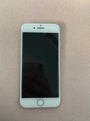 Iphone 8 64 GB pamięci