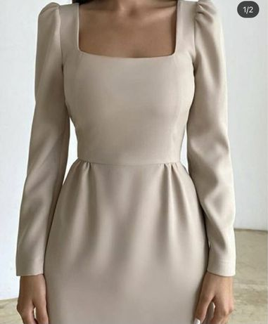 Дуже ніжне жіноче плаття