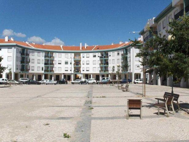 T3 Alhos Vedros ( arrendamento/venda ) com arrecadação