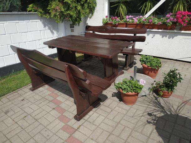 Solidne meble ogrodowe, stół, ławki