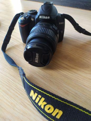 Máquina Nikon D3000